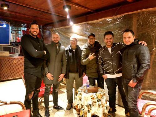 مصطفى النفياوي يجتمع باصدقائه في الفن